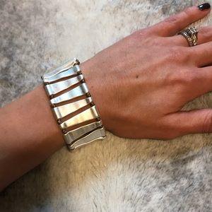 Premier designs jewelry silver triangle bracelet